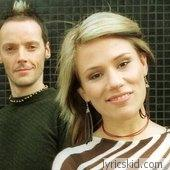 Bachelor Girl Lyrics