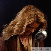 Chantal Chamberland Lyrics